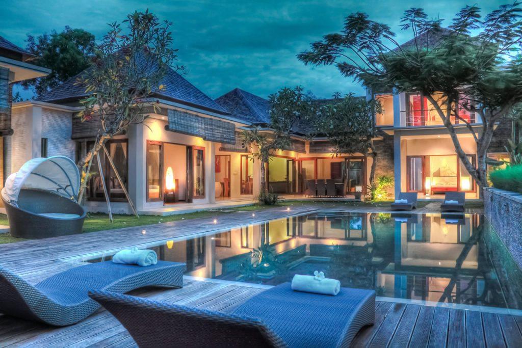 tropical-villa-m